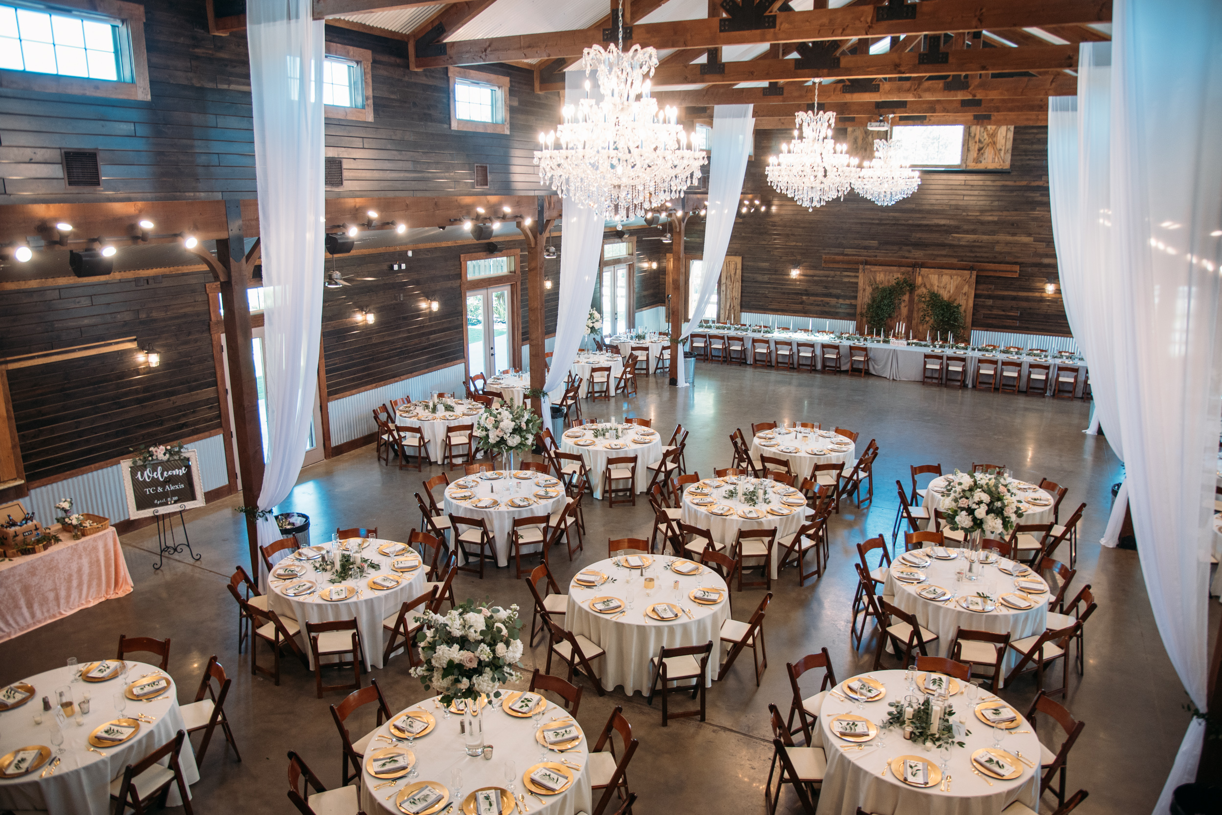 CollegeStation_WeddingPhotographer_PeachCreekRanch_004.jpg