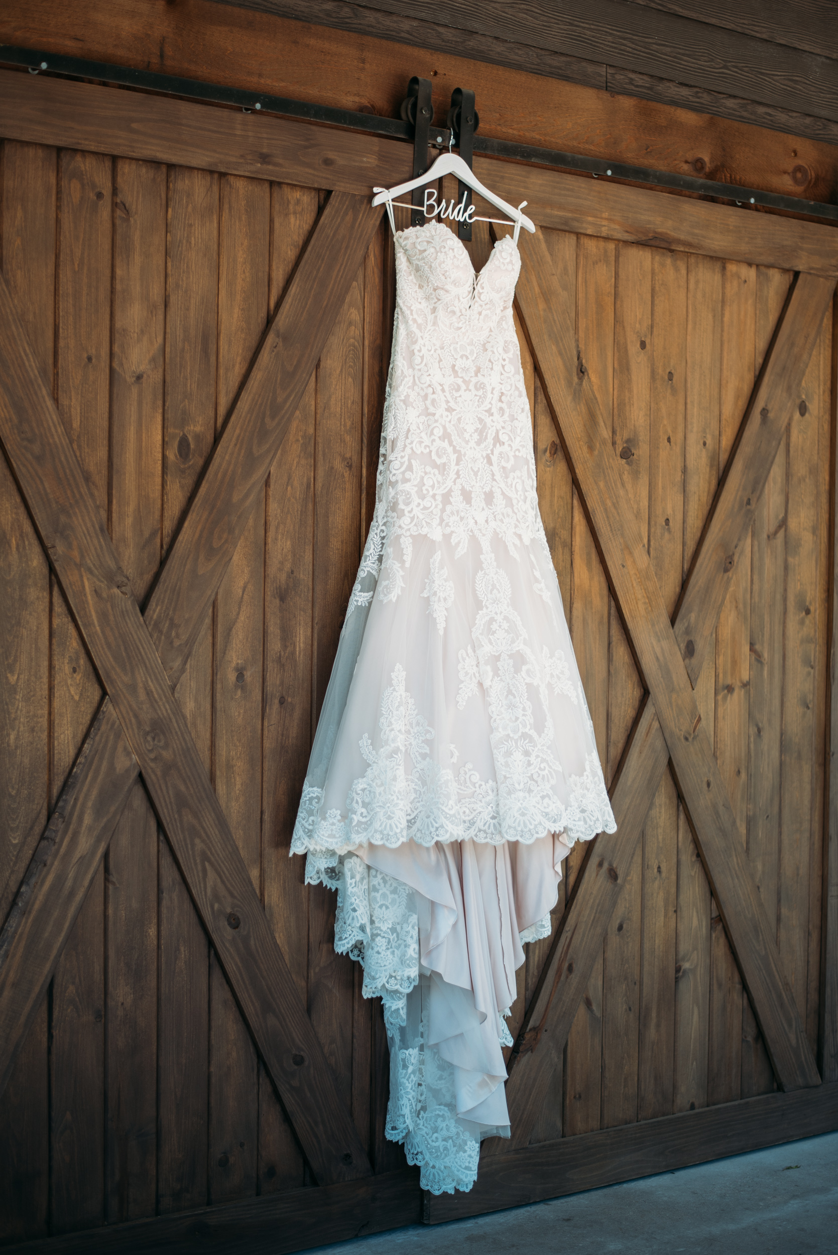 CollegeStation_WeddingPhotographer_PeachCreekRanch_005.jpg