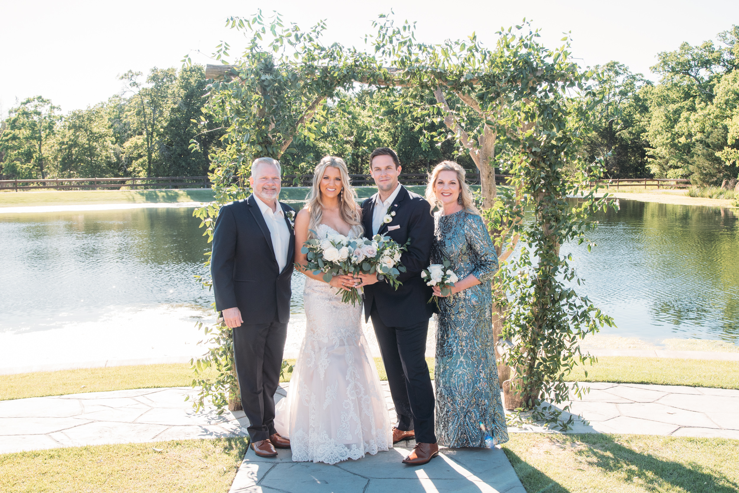 CollegeStation_WeddingPhotographer_PeachCreekRanch_039.jpg