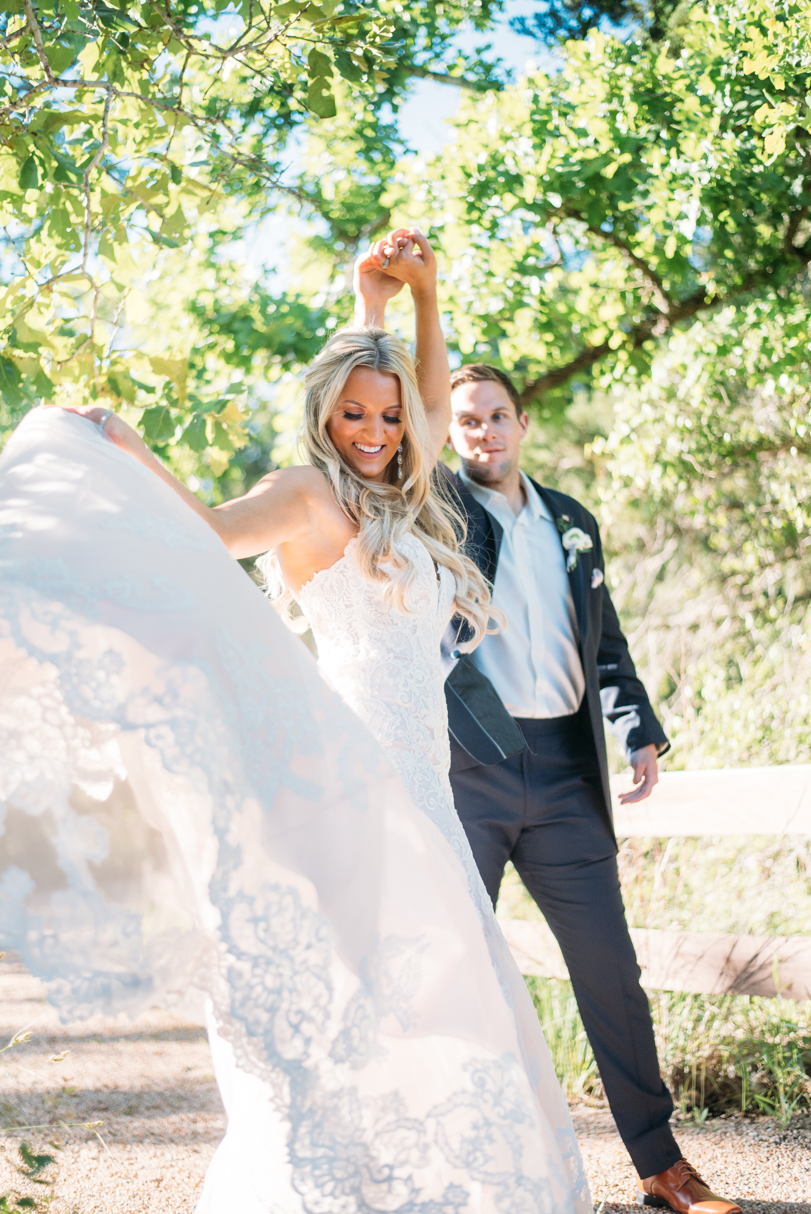 CollegeStation_WeddingPhotographer_PeachCreekRanch_056.jpg