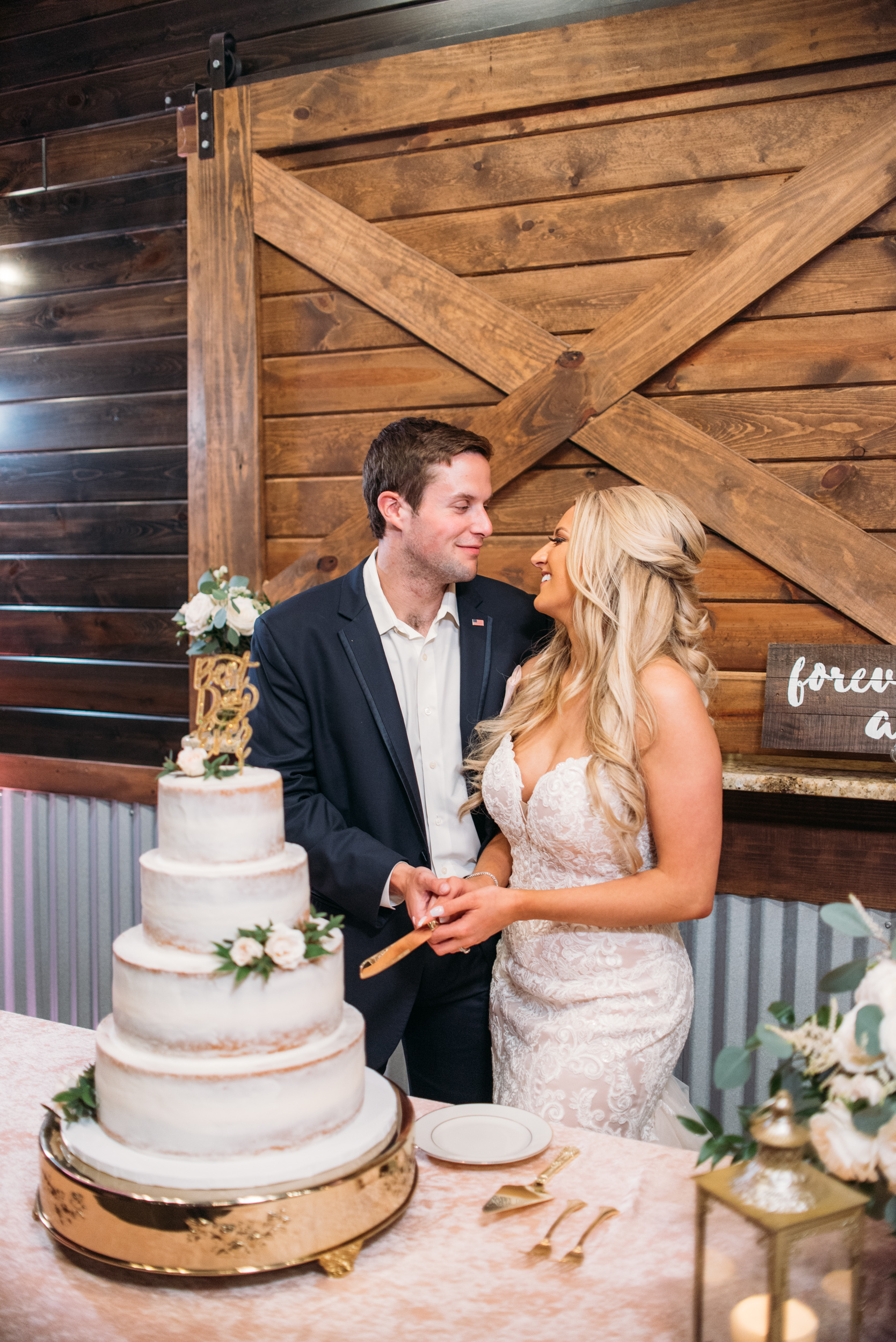 CollegeStation_WeddingPhotographer_PeachCreekRanch_065.jpg