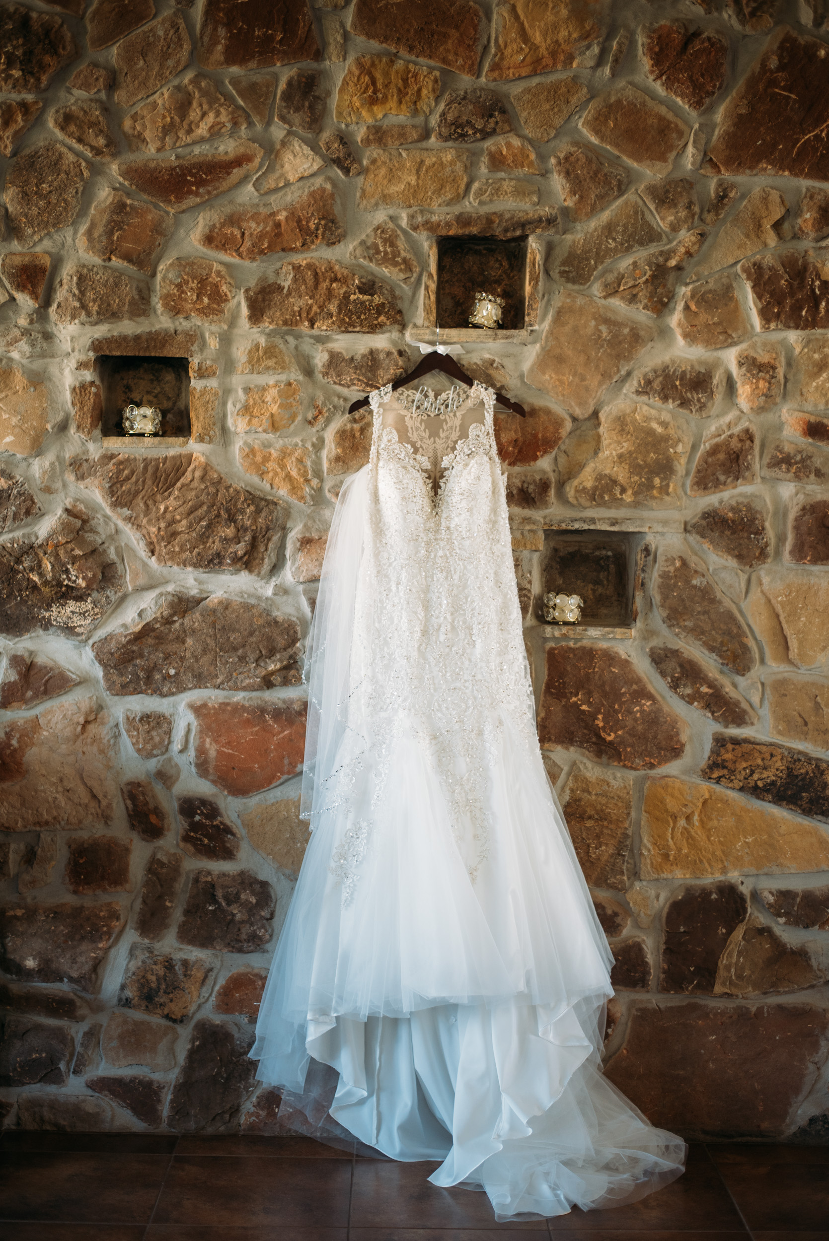 CollegeStation_WeddingPhotographer_DoubleCreekCrossing_0002.jpg