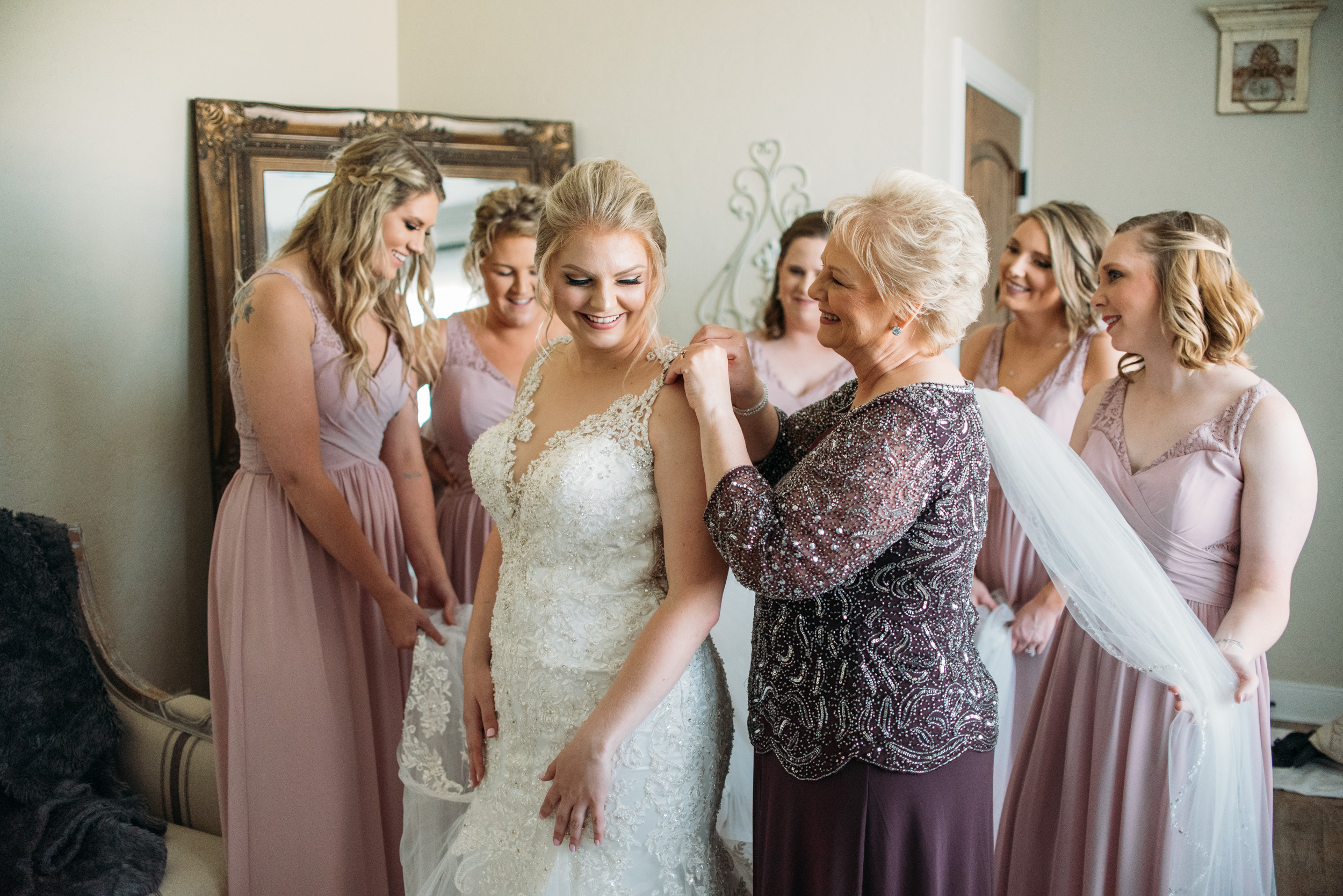 CollegeStation_WeddingPhotographer_DoubleCreekCrossing_0007.jpg