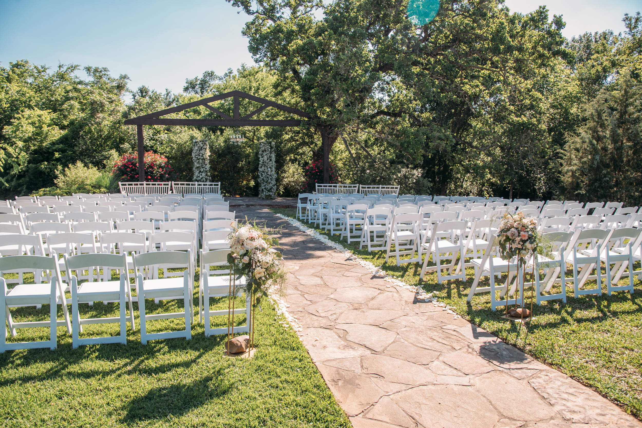 CollegeStation_WeddingPhotographer_DoubleCreekCrossing_0032.jpg