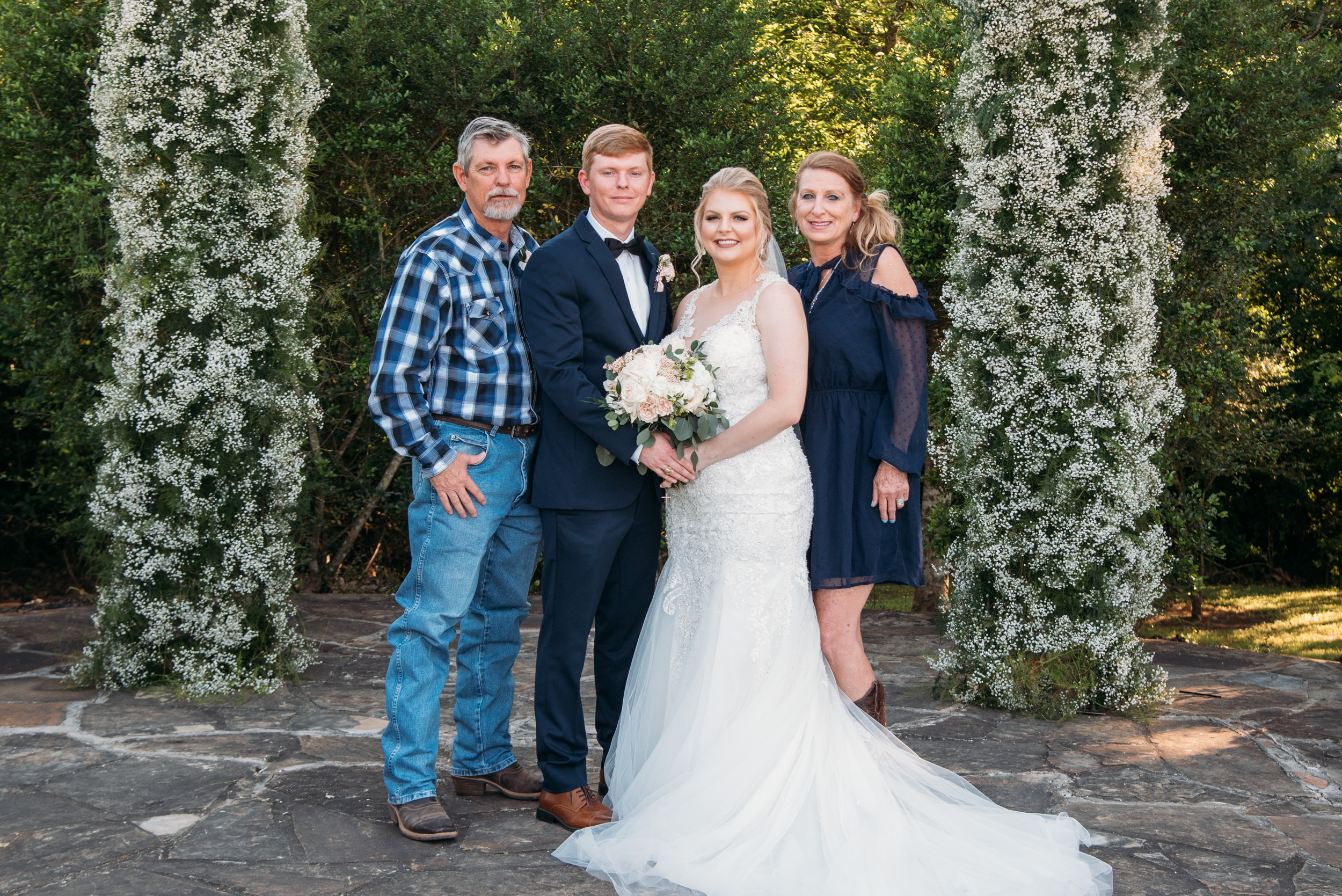 CollegeStation_WeddingPhotographer_DoubleCreekCrossing_0051.jpg