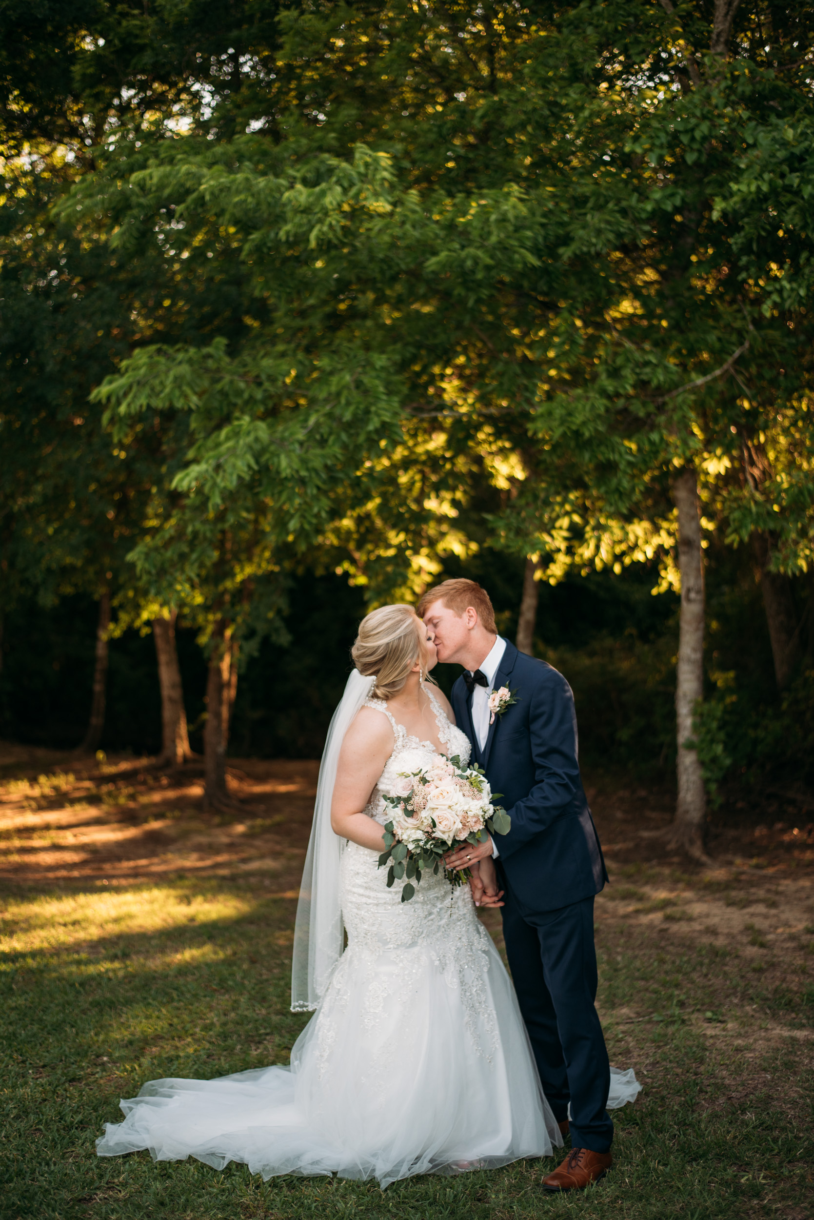 CollegeStation_WeddingPhotographer_DoubleCreekCrossing_0066.jpg
