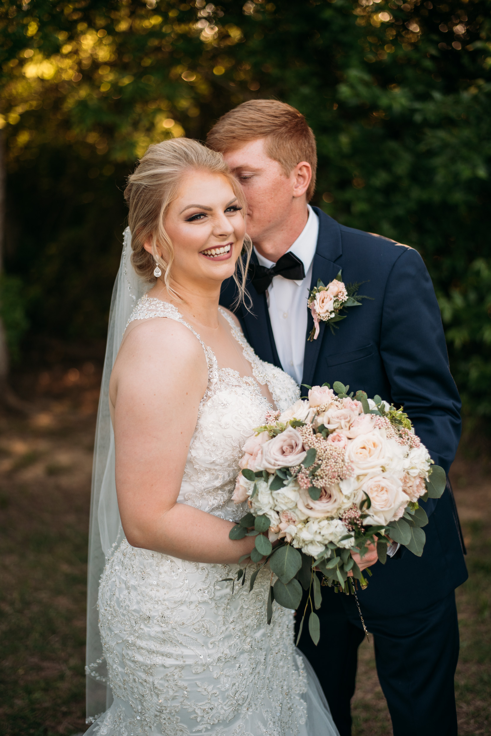 CollegeStation_WeddingPhotographer_DoubleCreekCrossing_0068.jpg