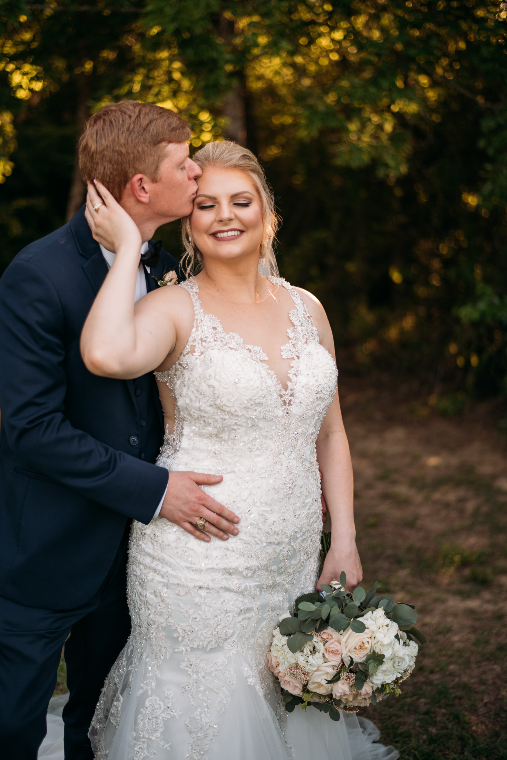 CollegeStation_WeddingPhotographer_DoubleCreekCrossing_0076.jpg