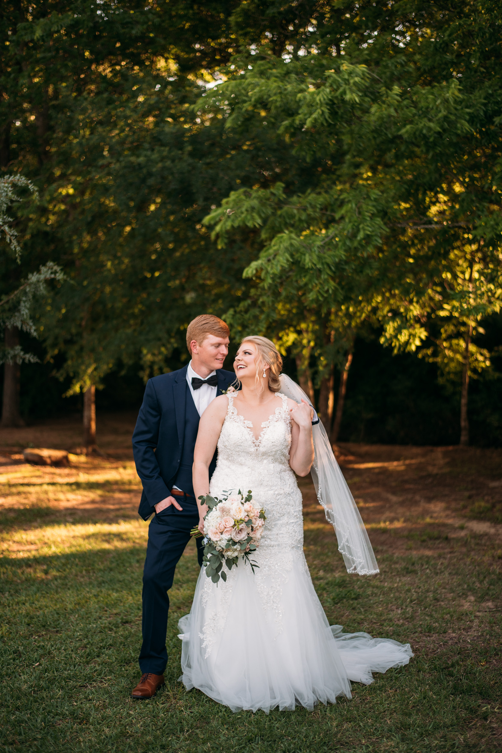 CollegeStation_WeddingPhotographer_DoubleCreekCrossing_0078.jpg