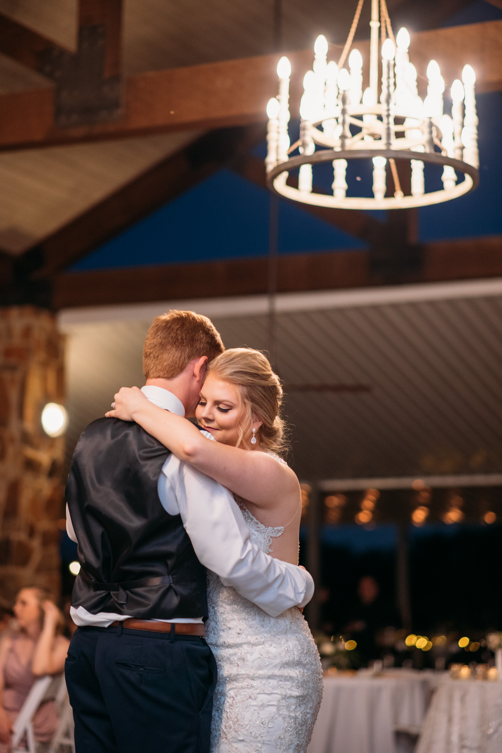 CollegeStation_WeddingPhotographer_DoubleCreekCrossing_0096.jpg