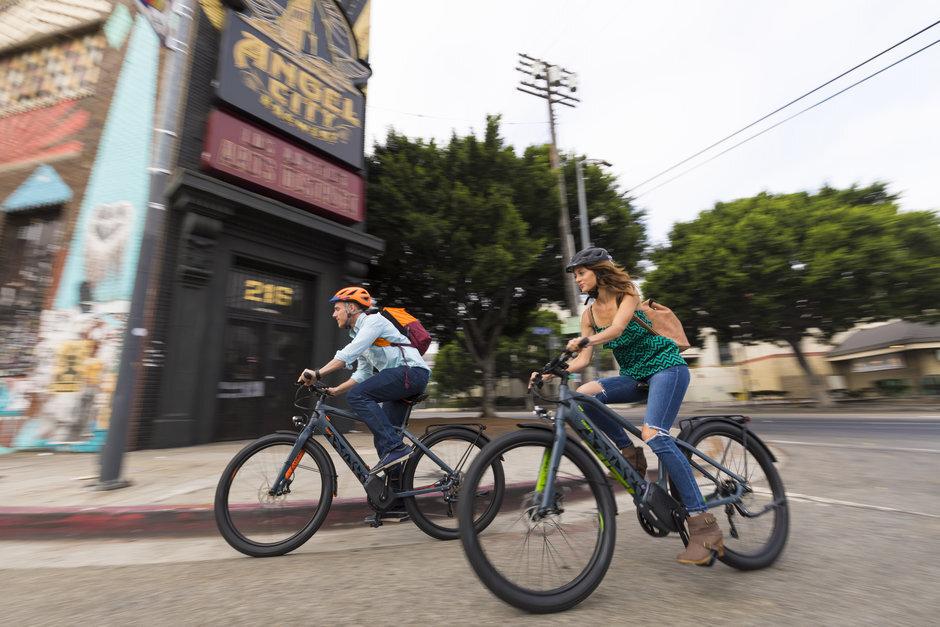 Electric_bikes_18_IZIP_E3_Moda_Lifestyle_4.jpg