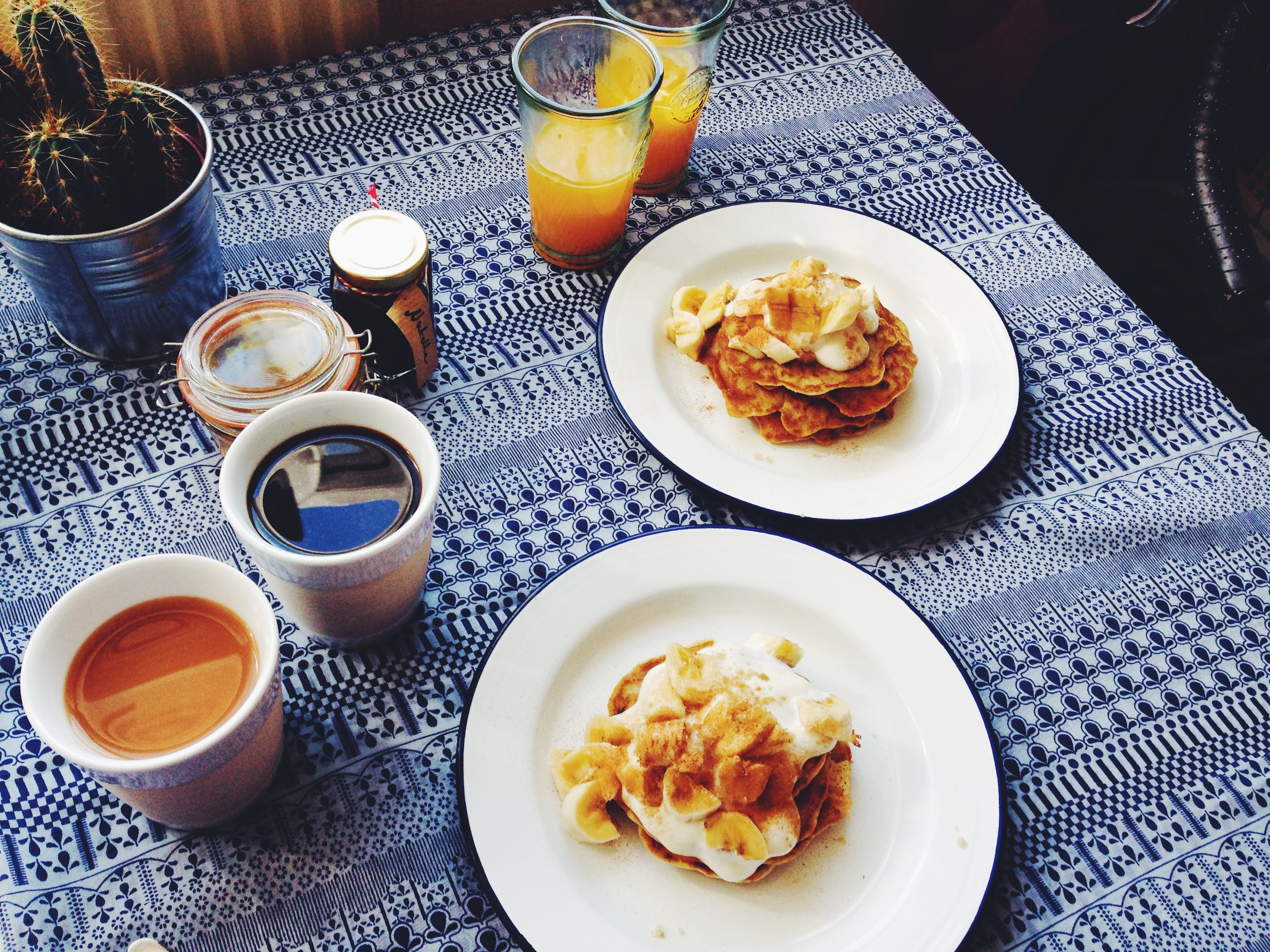 banana and soy yoghurt pancakes