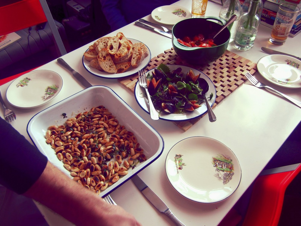 Herb-toasted almonds, coarse-chopped bruschetta and fig salad