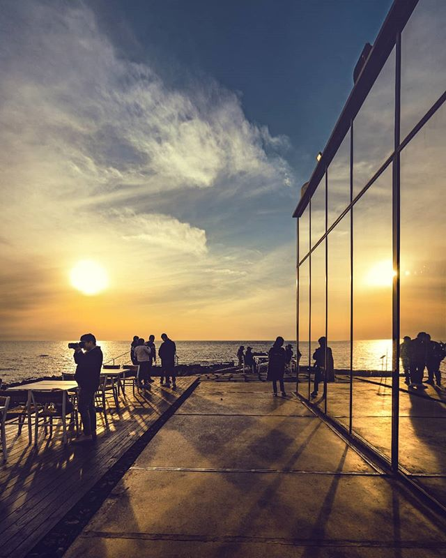 Mirrored sunsets #Southkorea #jeju #monsantcafe 📸#sonya7rii #sunset #gdragon