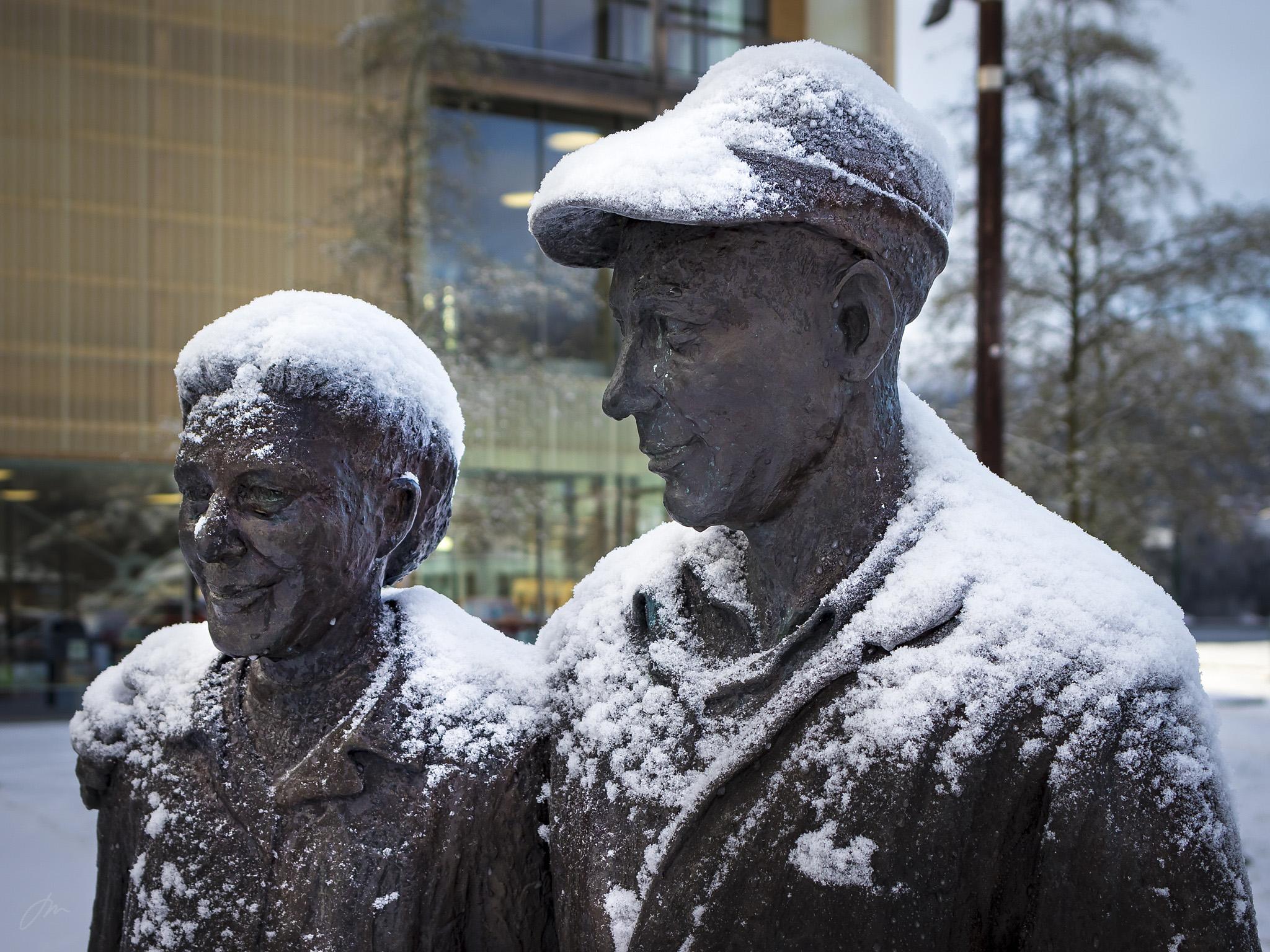 Skulpturen «Samhold» av Ingrid Lene Langedok
