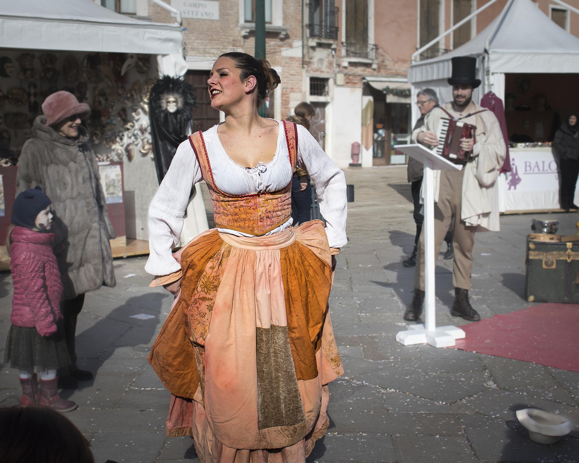 Dans på Campo Santo Stefano