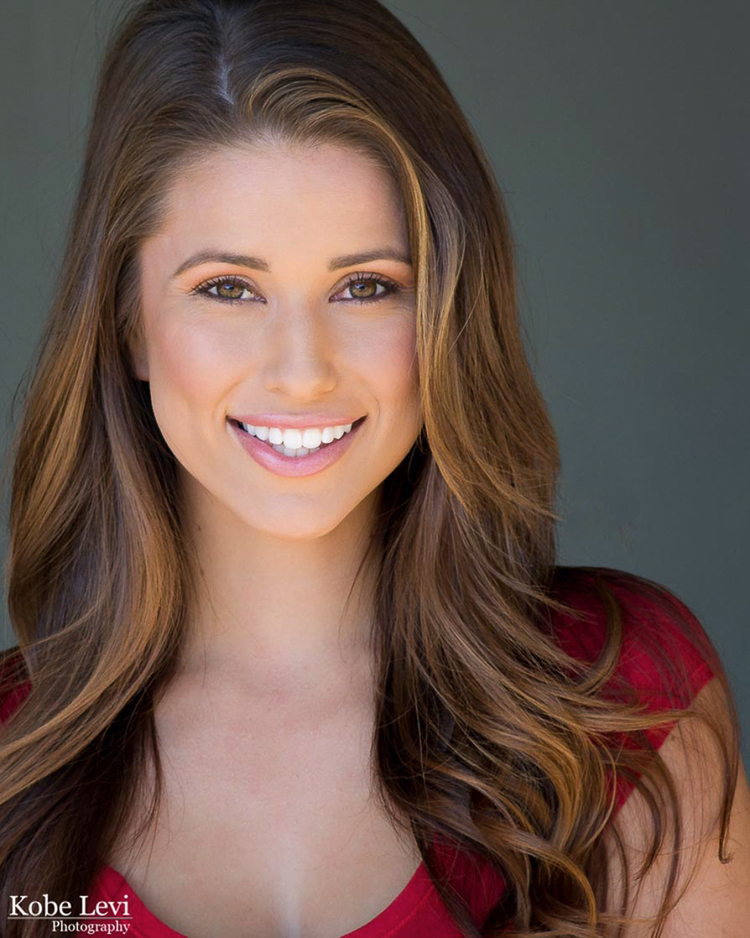 Nia Sanchez headshot loa angeles.jpg