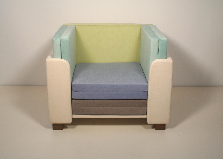 front_view-kidschair.jpg