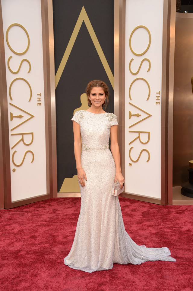 Maria Menounos was a show stopper last night in this gorgeous Johanna Johnson gown.