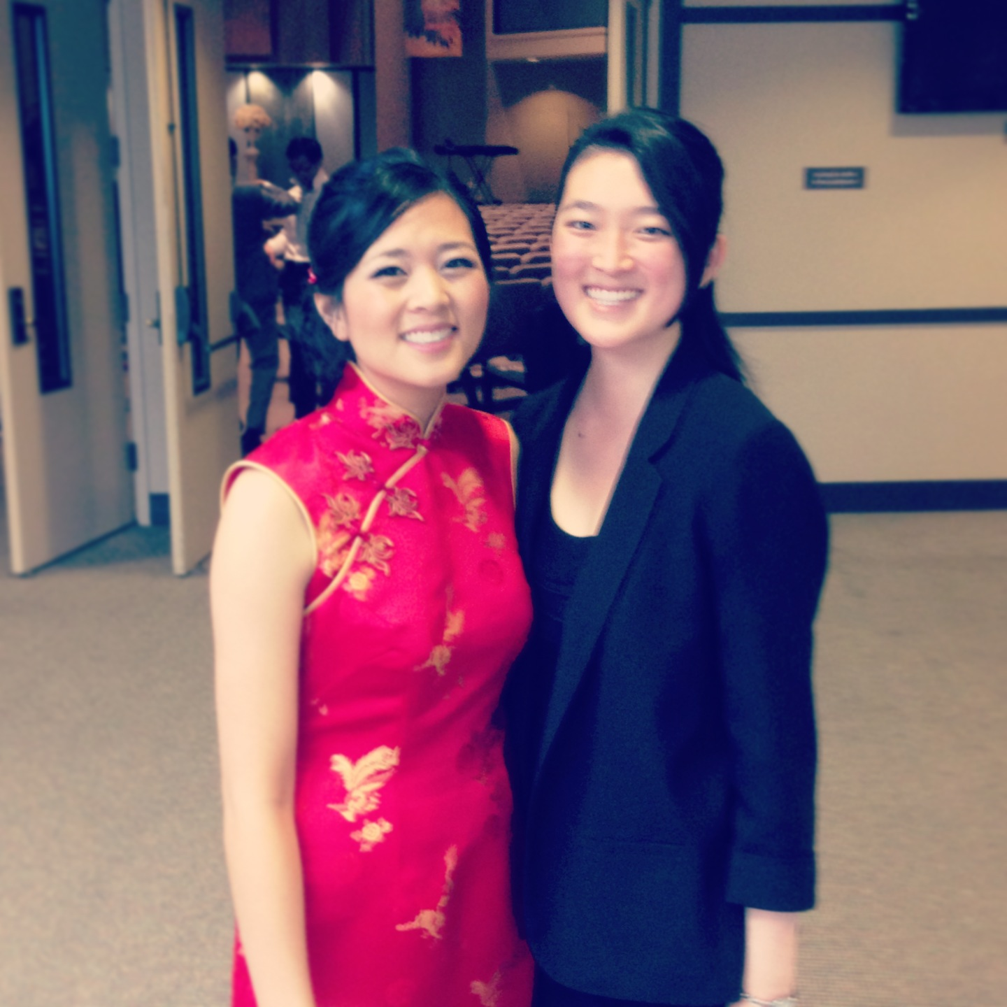 A little blurry, but it's ok because I'm with the beautiful bride in her gorgeous traditional Chinese dress, just moments before the ceremony.