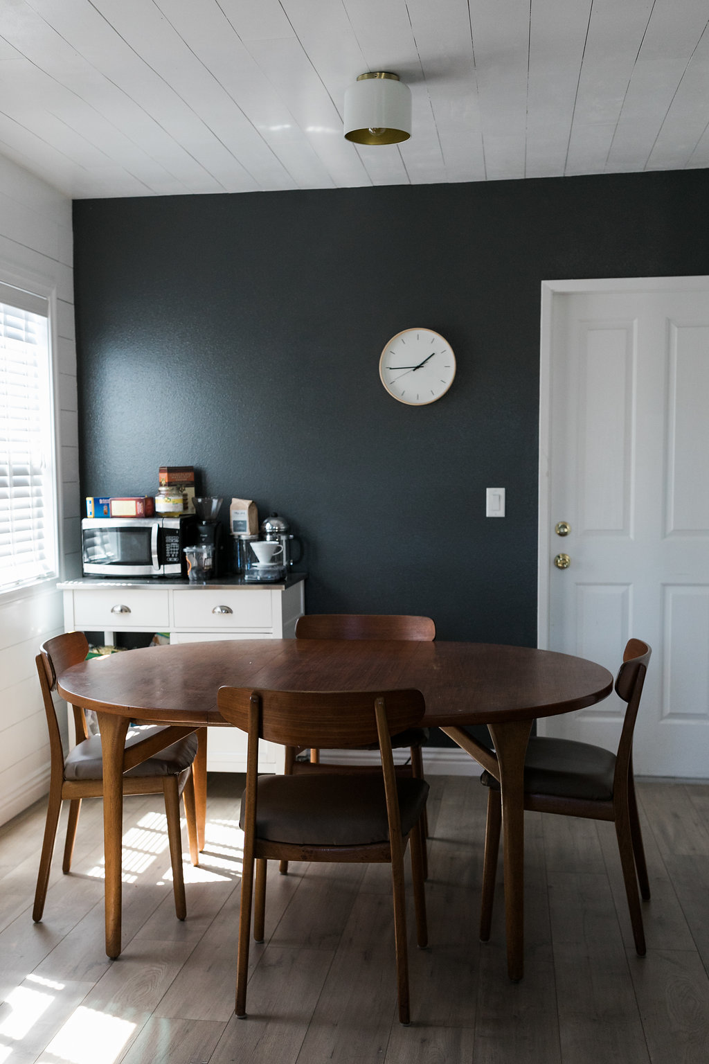 shiplap accent wall dining room