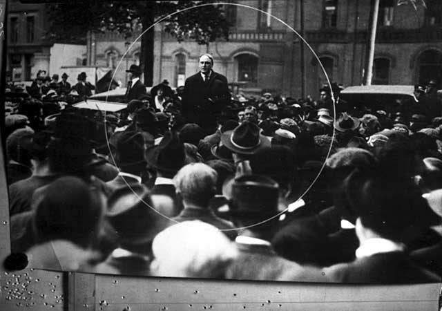 1917 Governor Burnquist and drafted men, Smith Park