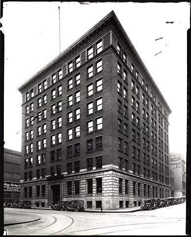 Omaha Building - Goldens.jpeg
