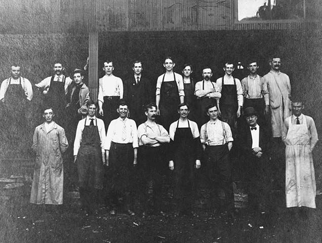 1905 Employees of Andrew Schoch Grocery Lowertown.jpg
