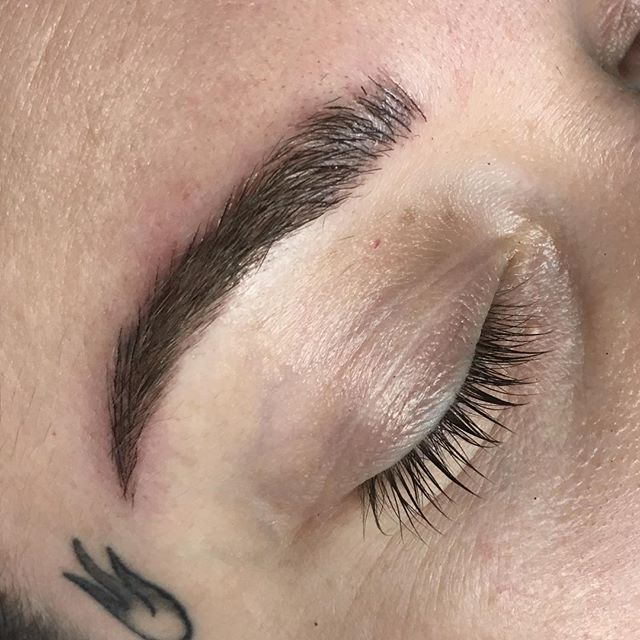 First let me say thank you to the awesome @roni_rose_photography for her trust. I've had an awesome time sculpting these borrows for her.  This was taken directly after the perfecting session, swipe to see the transformation! . Second image: 1: before microblading, 2: after initial application, 3: 6 weeks healed after first first session . #microblading #microbladed #microbladedbrows #tattoo #tattooedbrows #tattooedmakeup #pma #permanentmakeup #semipermanent #easybrows #onpointbrows #sweatproofbrows #wakeupready #nofussbrows #tattoo #supportlocal #smallbusiness #mchenrycounty #crystallake