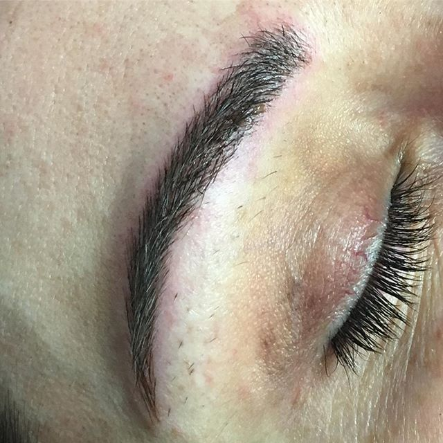 I had an amazing day with @jessichaas working on her #firstsession. She trusted me to create these #fuller #bolder brows for her. Thank you for your trust.  I can't wait for session two #microblading #microbladedbrows #microbladedeyebrows#tattoos #tattooedbrows #tattooedmakeup #pma #permanentmakeup #carefreebrows #wakeupandgo #wakeupready #sweatproofbrows #mchenrycounty #smallbusiness #supportlocal #shopsmall #nomoremakeup #permanent #makeup #eyebrows #brows #faceframing #nomorefuss