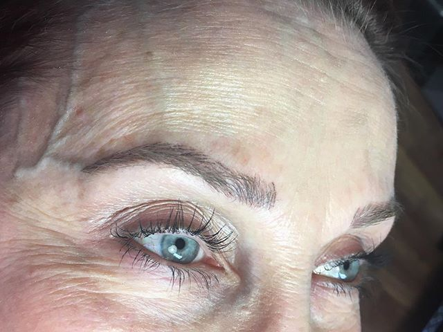 Here is another sculpted brow that I'm really proud of. I created these brows for the beautiful @gailmack2009 I had an incredible time working with her, and can't thank her enough for her trust. . The first image is of her healed first session. . Second image was taken after the perfecting session. . Third image is her natural brow before we stared this process. . #microblading #browhealing #semipermanent #nomakeupmakeup #permanentmakeup #pma #cosmetictattoo #tattoo #tattooedbrows #microbladedeyebrows #nofussmakeup #nofussbrows #wakeupready #wakeupandgo #tinadaviesprofessional #permablend #browboss #browbabe #sweatproofmakeup #sweatproofbrows #thearcherbrows #mchenrycounty #supportsmallbusiness #shoplocal #crystallakeil #mchenrycountystylist #salonmackk #darkhearttattoo