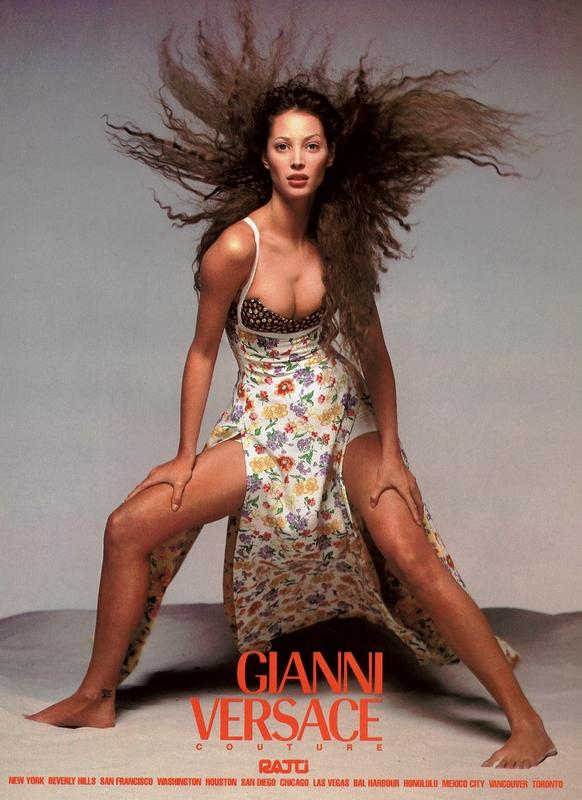 Christy Turlington w kampanii Versace wiosna 1993/fot. Richard Avedon