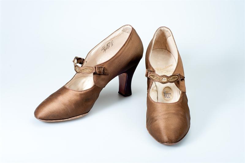 Buty Mary Jane z lat 20-tych