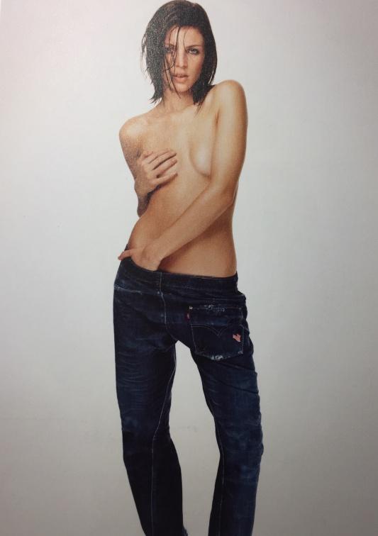 Liberty Ross w reklamie Levisów/ rok 2001