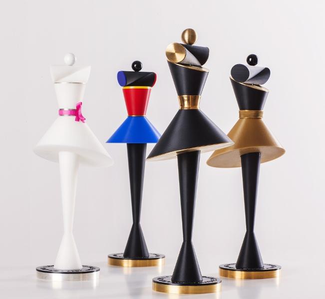 Statuetki, które zostaną wręczone zwycięzcom poszczególnych konkursów