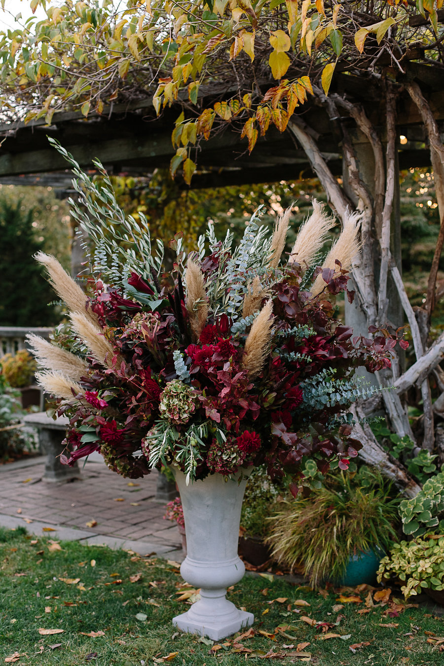 Autumnal wedding at Wave Hill in Le Bronx.