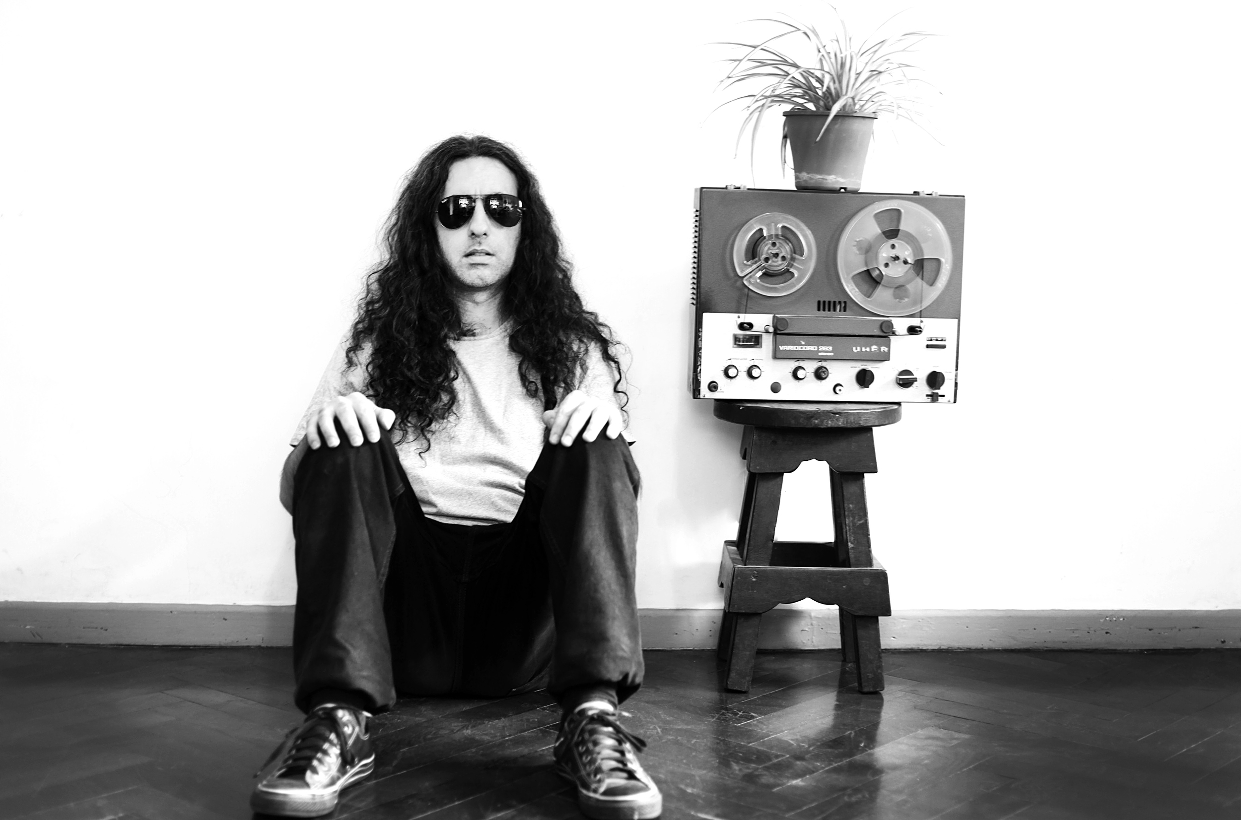 Alan Courtis ( photographed by Nora Lezano)