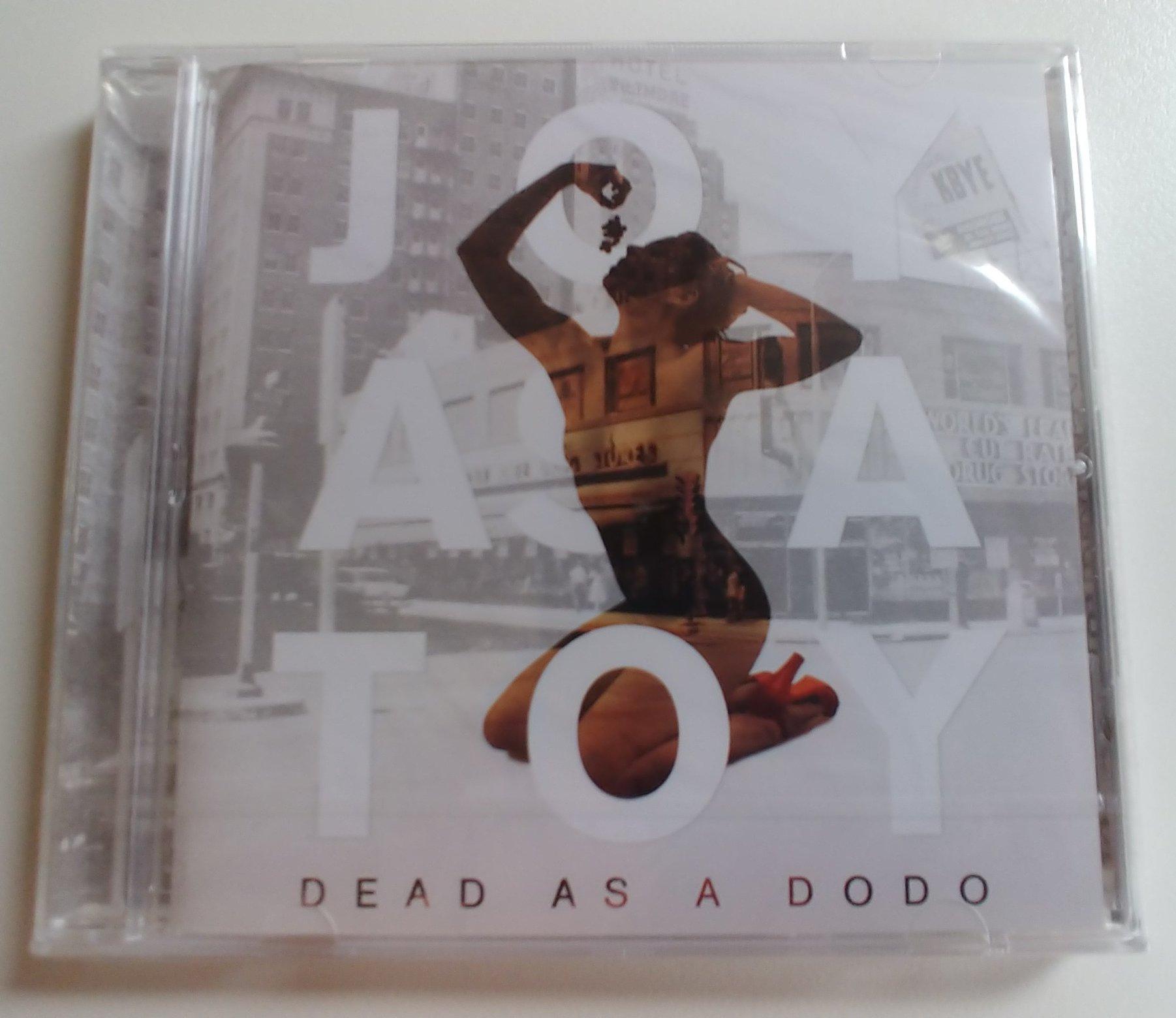 """Lot #4  Un des 25 derniers CD de """"Dead As A Dodo"""" du groupe belge Joy As A Toy. Cet album est sorti sur les Disques Bon Marché du Satanisme il y a 7 ans. PS: Ce n'est pas Céline Lory sur la couverture."""