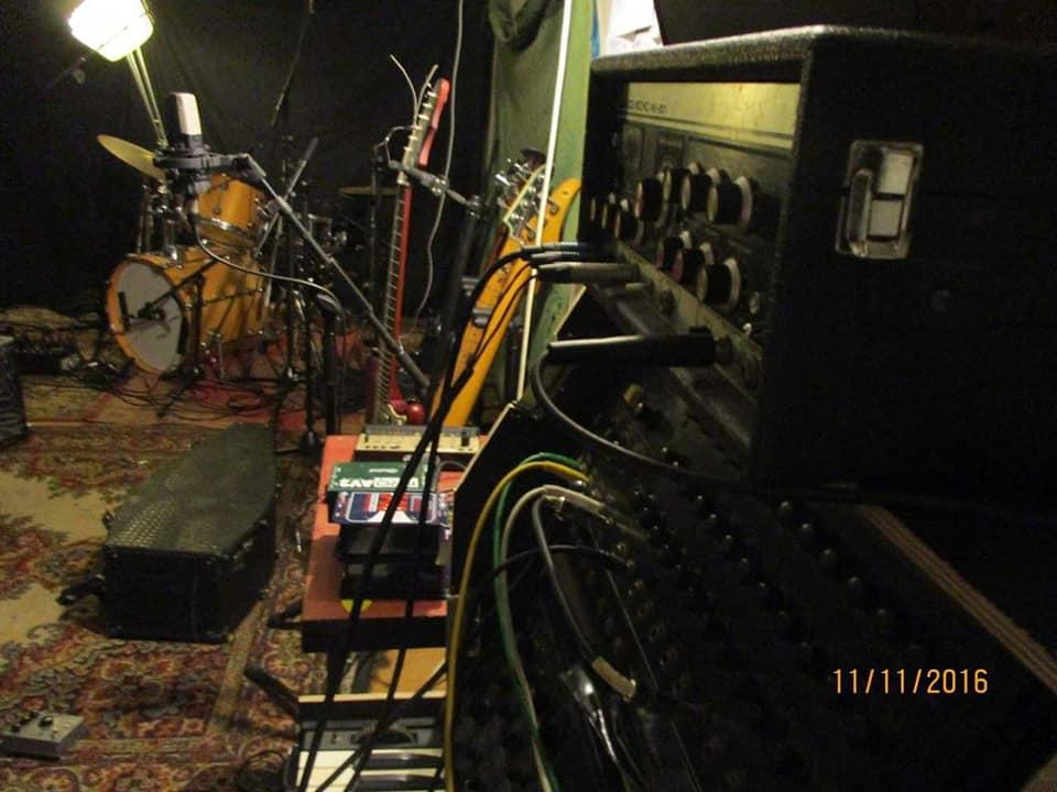 vivivi-recording-4.jpg