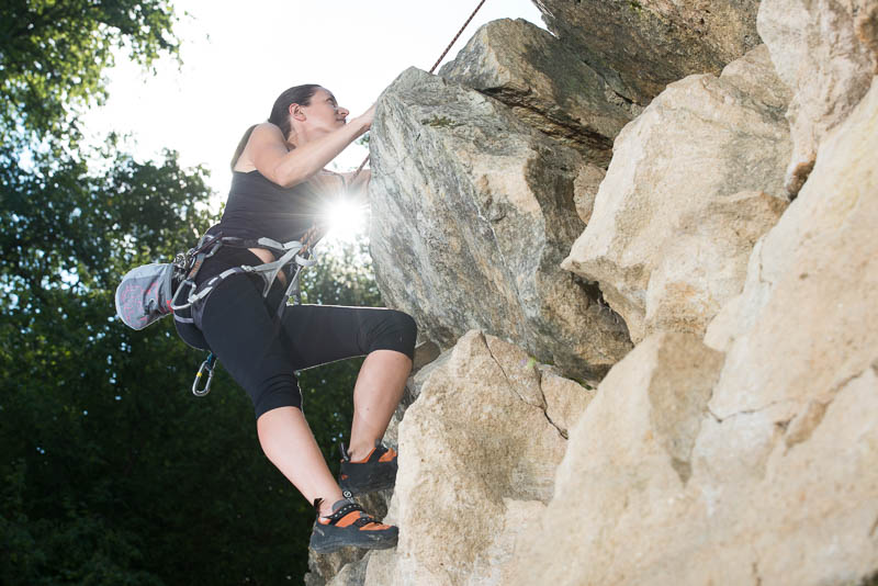photographe-publicitaire-femme-et-sport-escalade-01