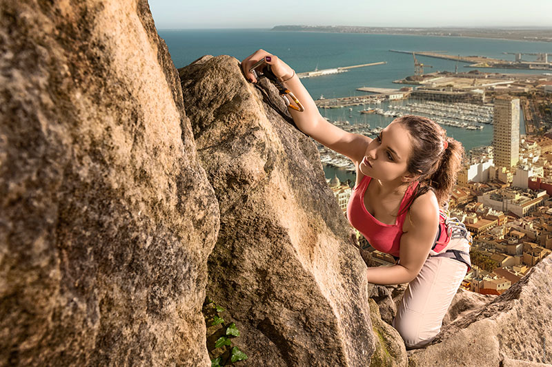 photographe-publicite-femme-et-sport-escalade-02