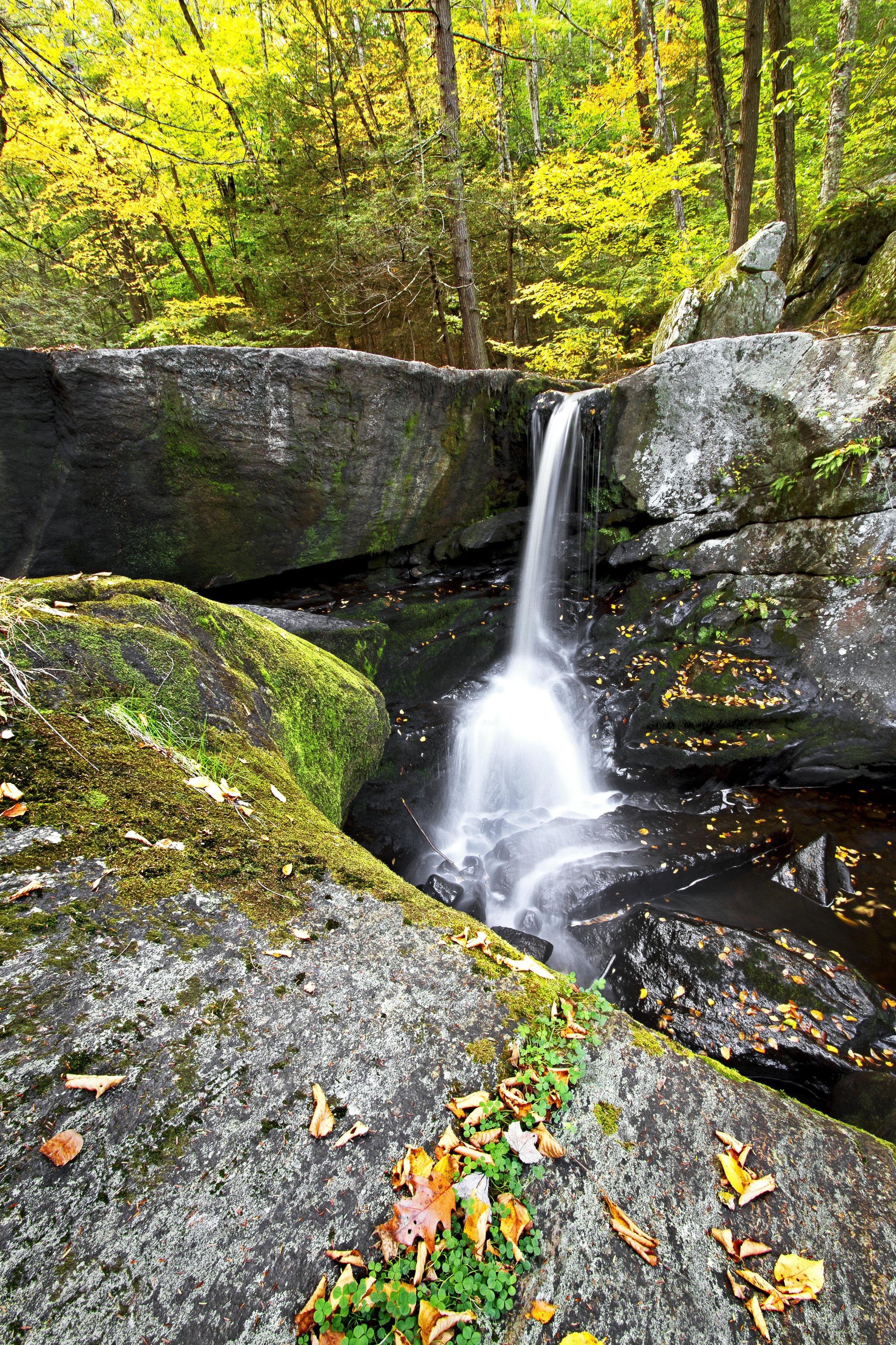 AutumnFoliageTour 112_2_AutumnFalls.jpg