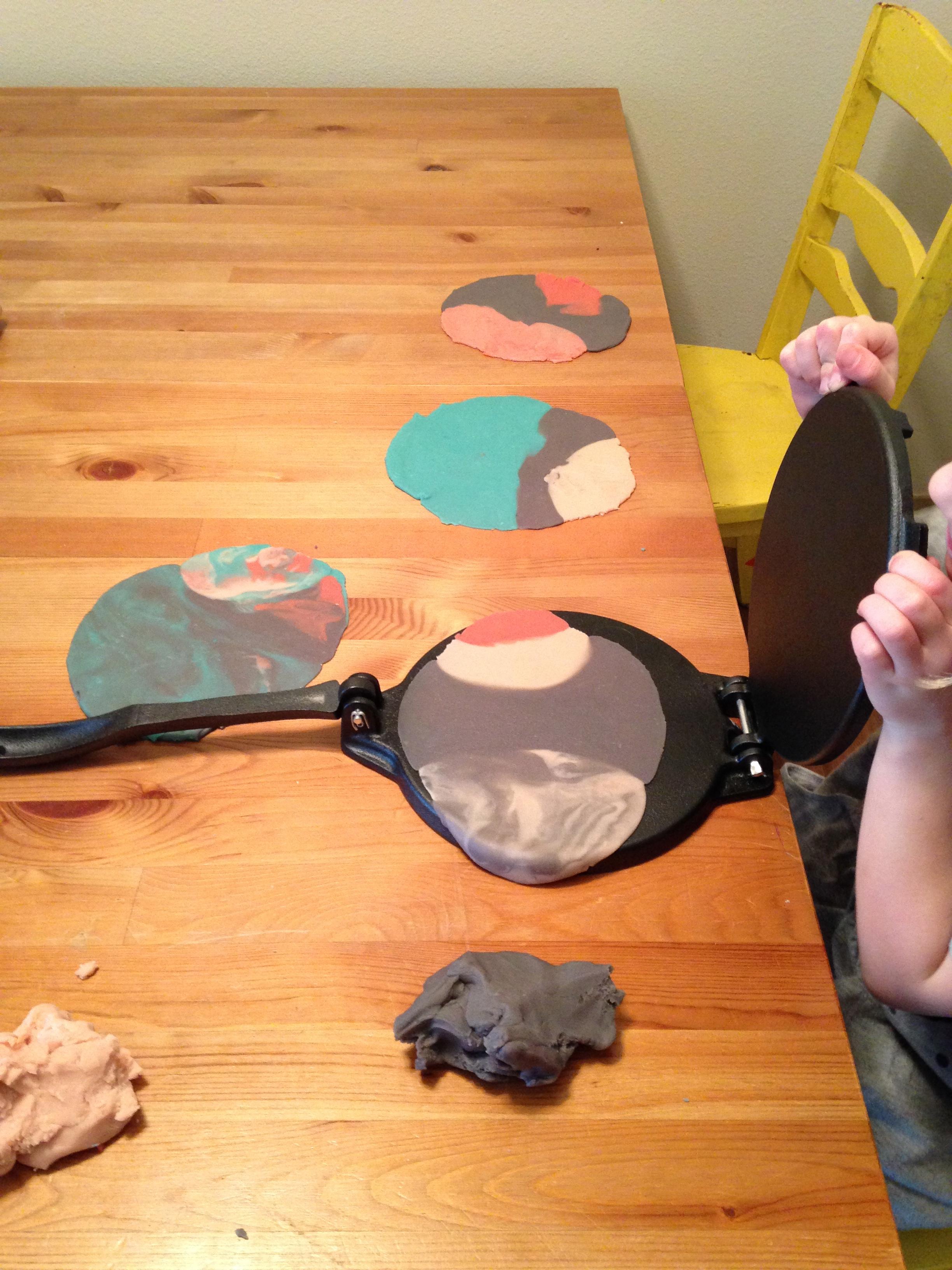 tortilla-maker-playdough.jpg