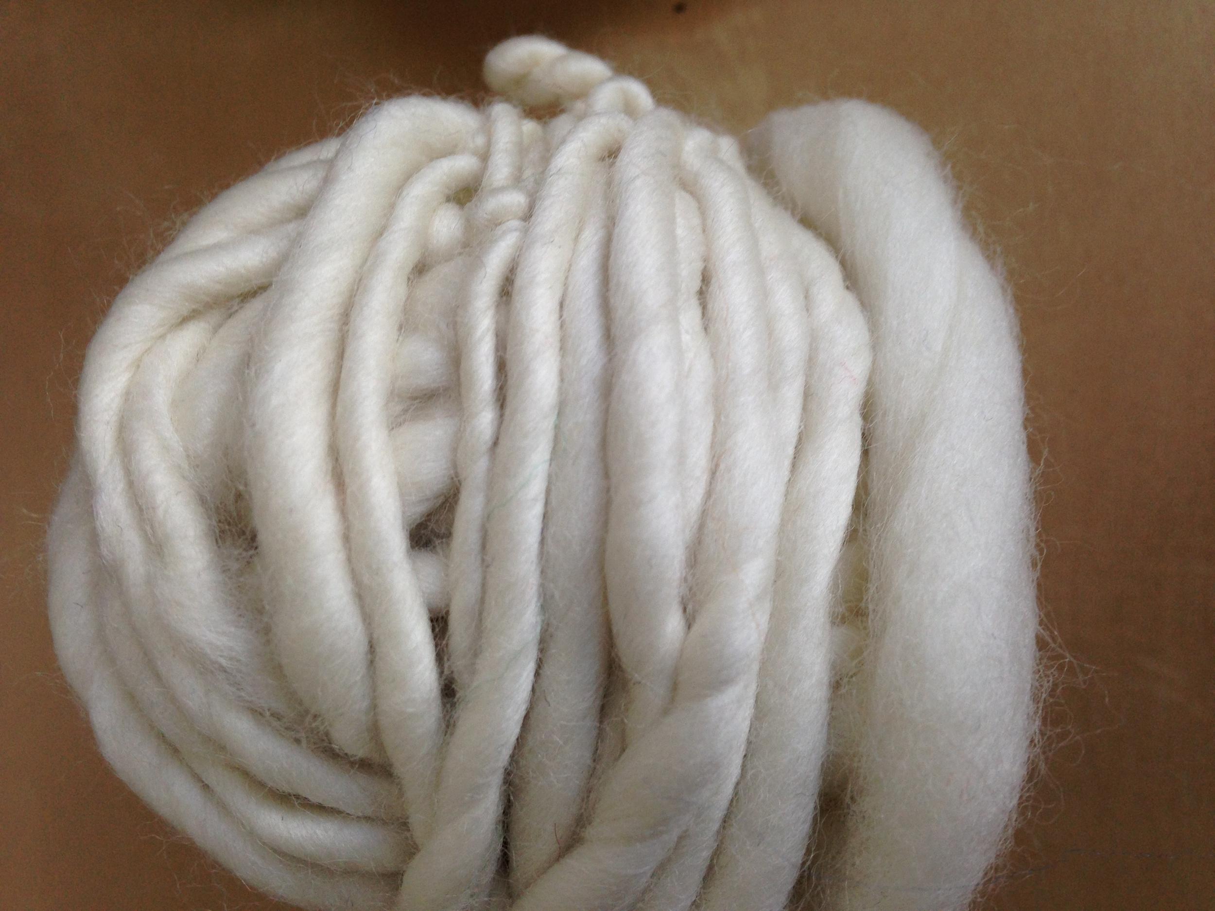 single-ply-homespun-yarn.JPG