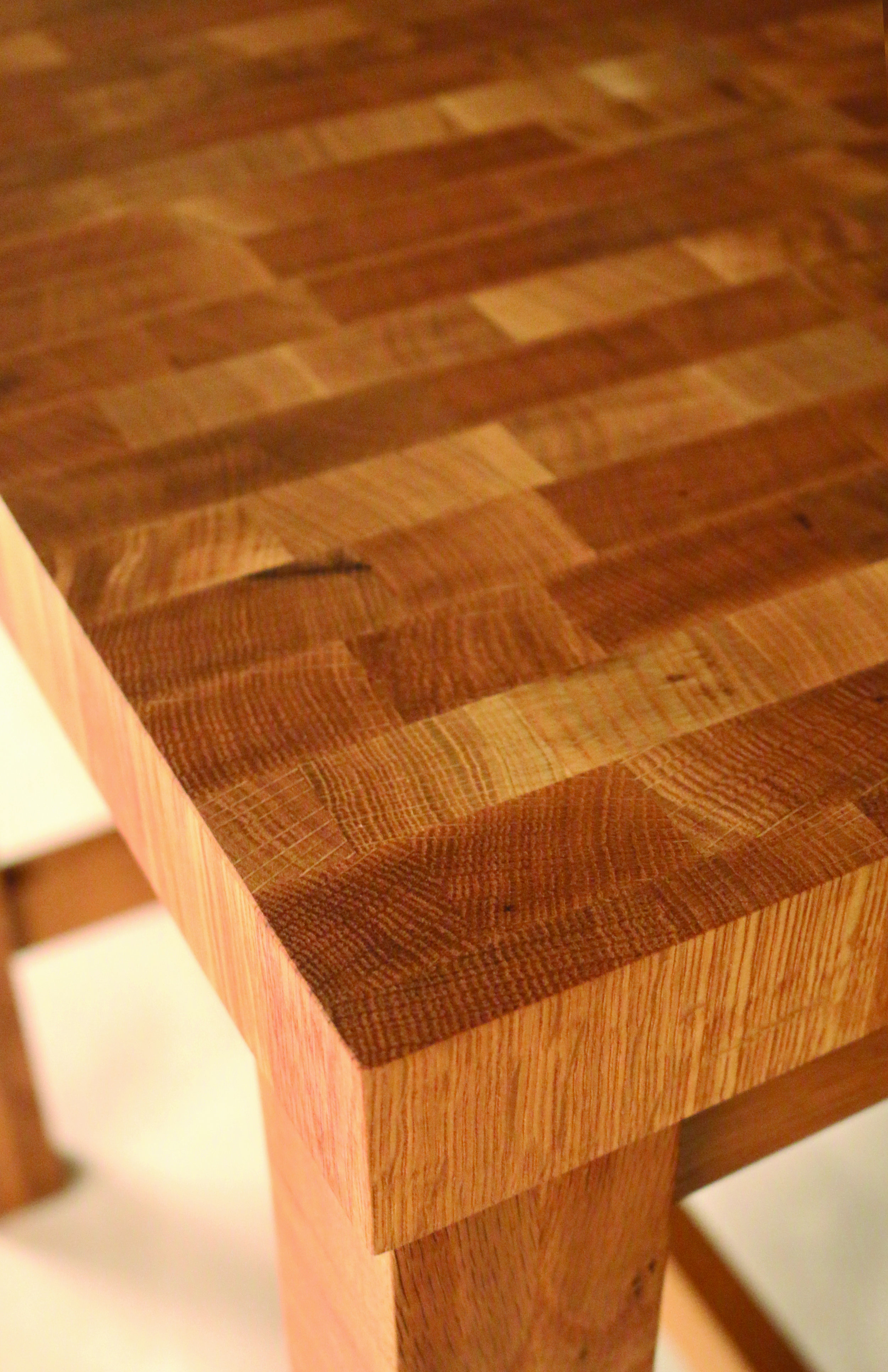 THEJOINERY_BUTCHERBLOCKISLAND_SM_OAK_DETAIL.jpg