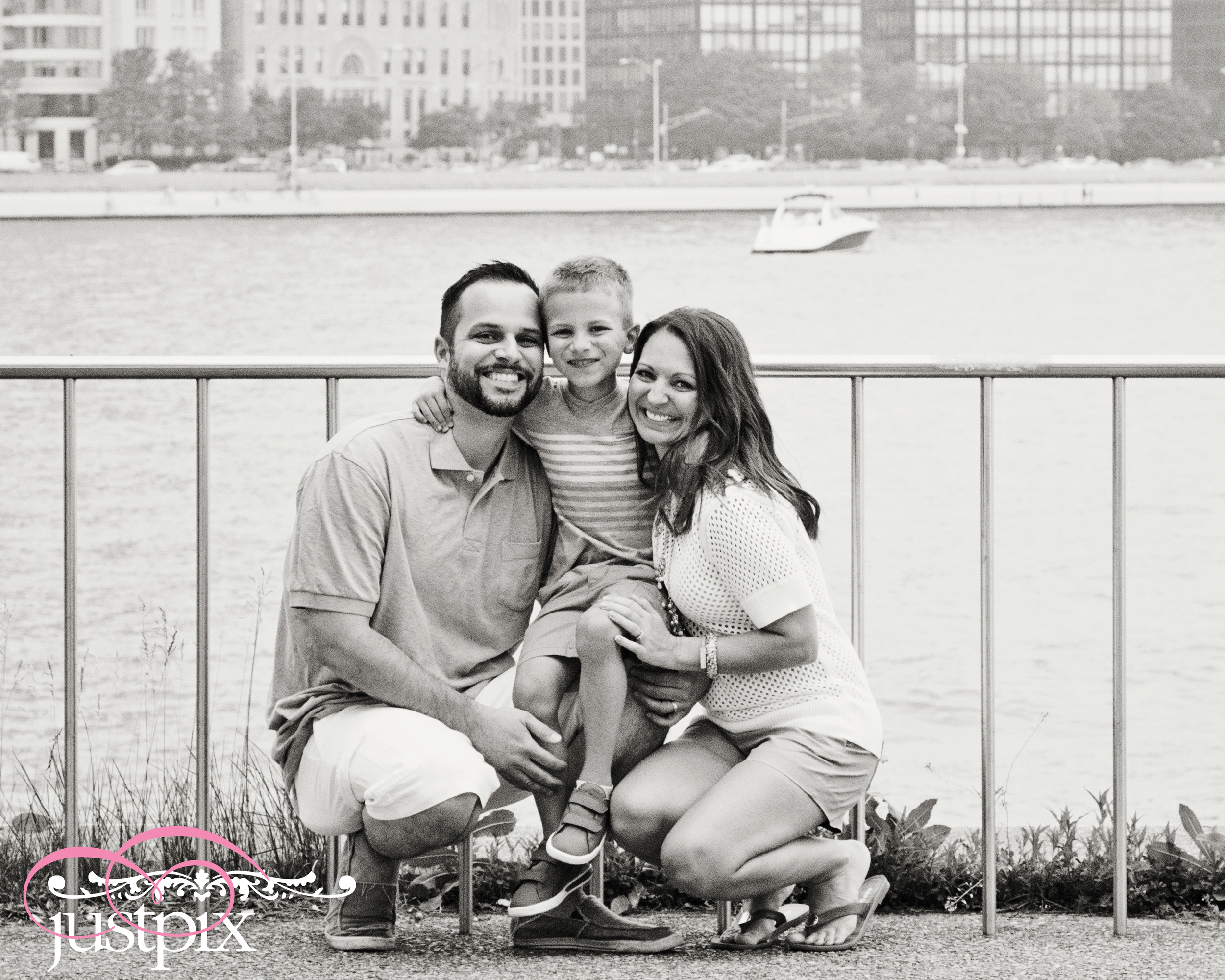 We had so much fun last week sharing some time on a gorgeous day on the Chicago Lakefront with the Sadowski Family ! This is our 3rd lifestyle session with them!!!  We met at Milton Olive Park and caught some special images of this adorable family and the amazing Chicago Skyline!!     Thank you Sadowski Family !!!