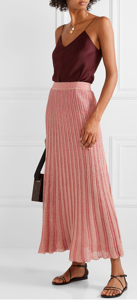 Such a delicate look, but also cozy enough to fall asleep on the couch… Happy Hygge!   Missoni  skirt
