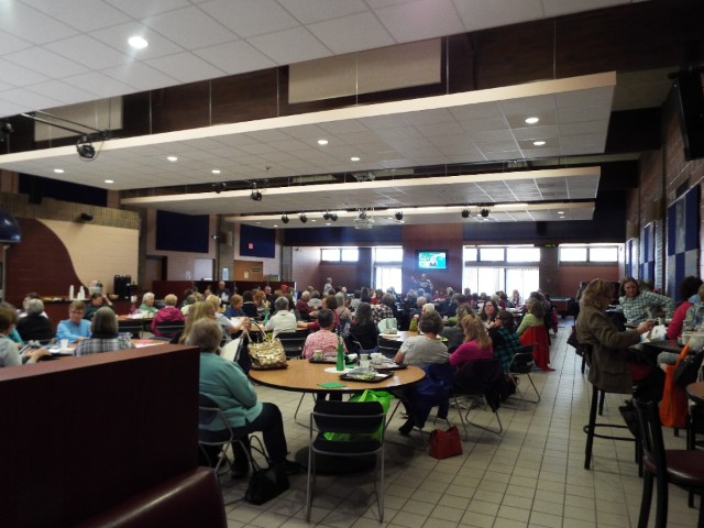 Conference participants enjoy a soup and salad lunch in Bay Cafe.