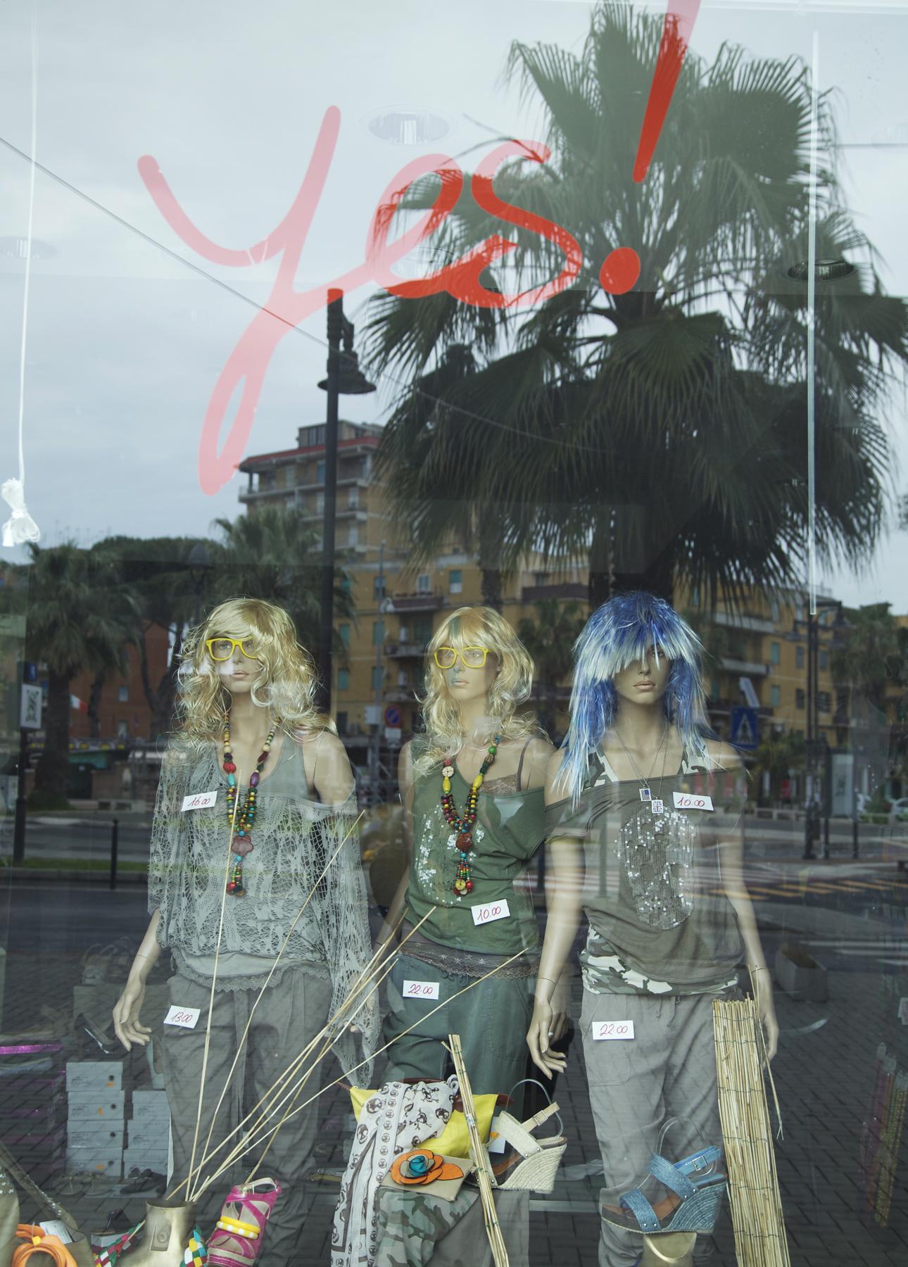Yes Ladispoli colour.jpg