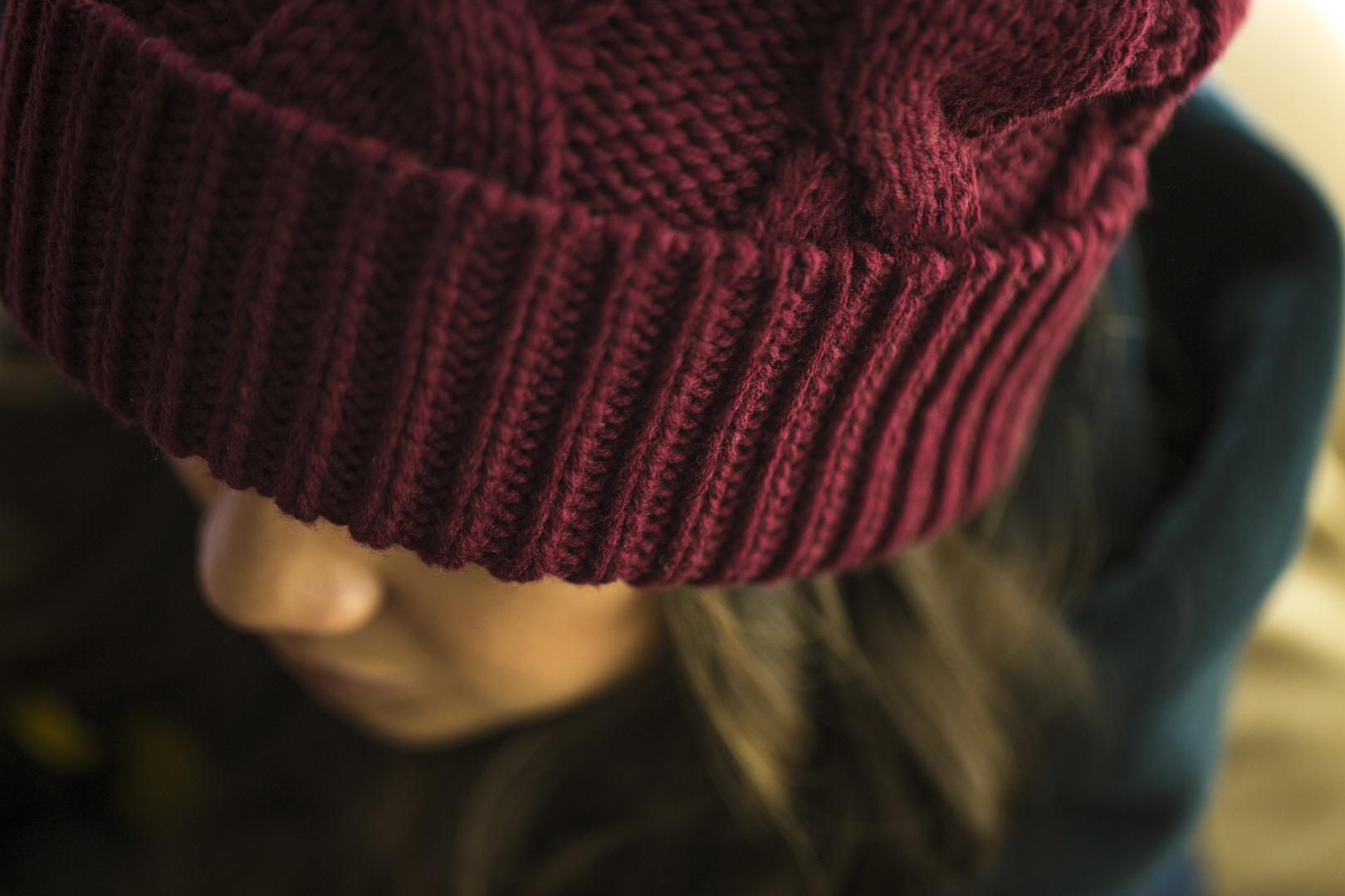 c02 Chunk Twist Pom Beanie  //  Burgundy | SF Close Up
